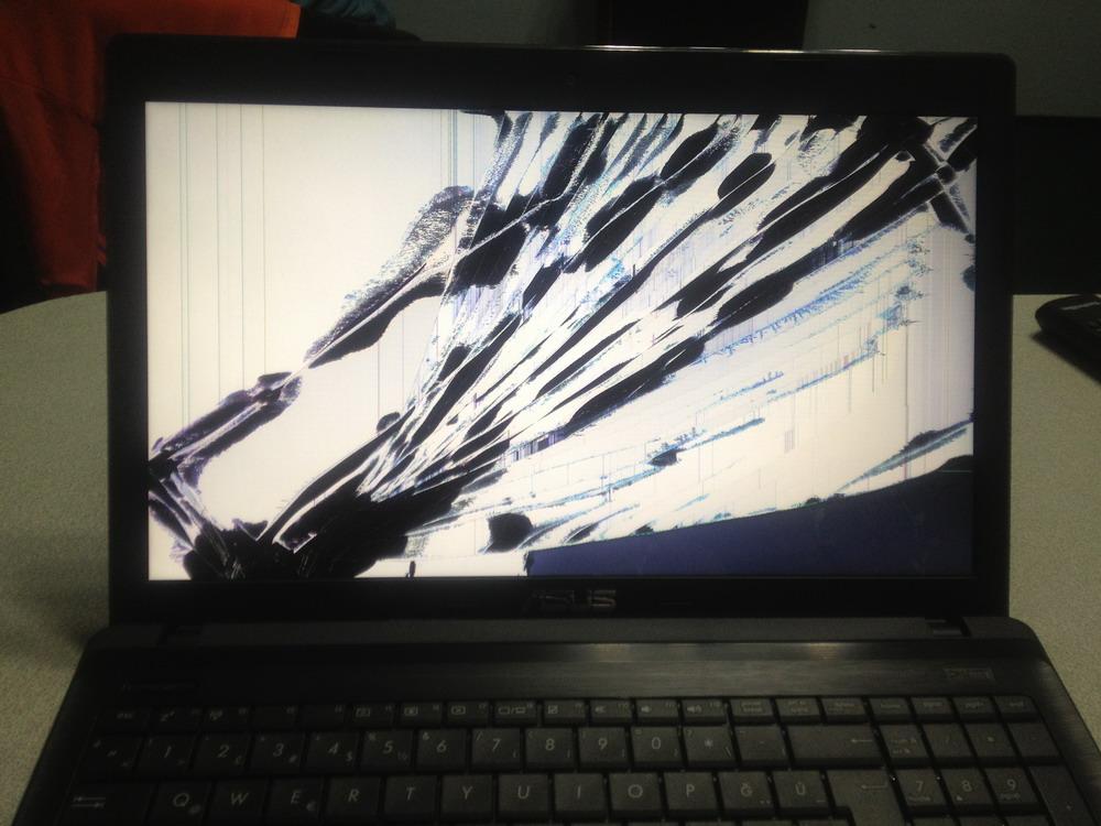 Asus X55C LCD Panel Değişimi